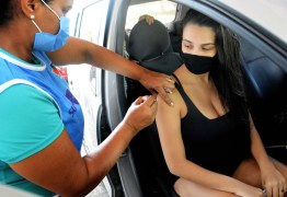 HORÁRIO ESTENDIDO:  vacinação segue neste sábado para grupos prioritários até 20h em drives thru; confira os locais