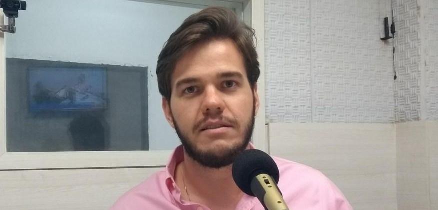 """Paciente aciona gestão Bruno Cunha Lima no MP por incentivar o uso do """"kit-covid"""" no tratamento da Covid-19"""