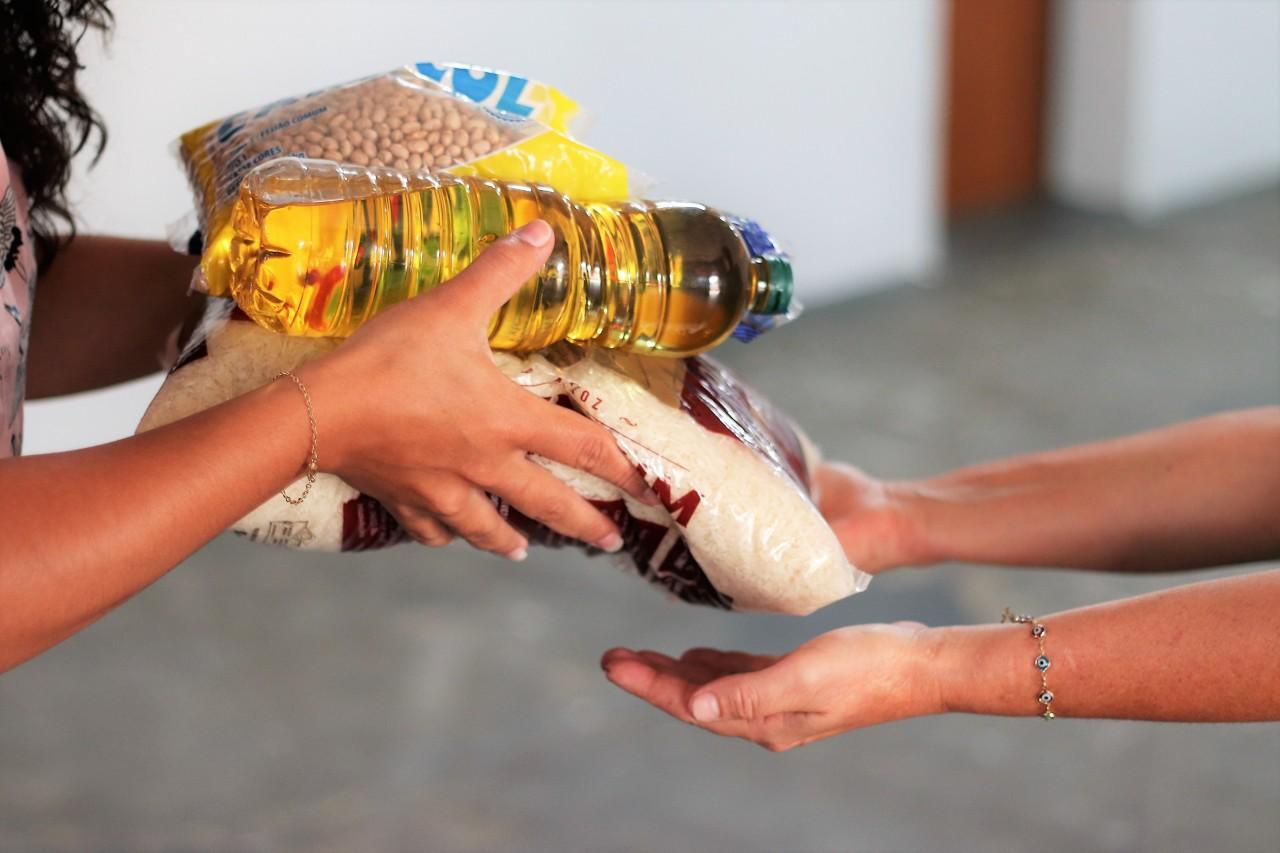 alimentos - SOLIDARIEDADE: Campanha drive-thru arrecada donativos em Campina Grande; saiba como ajudar