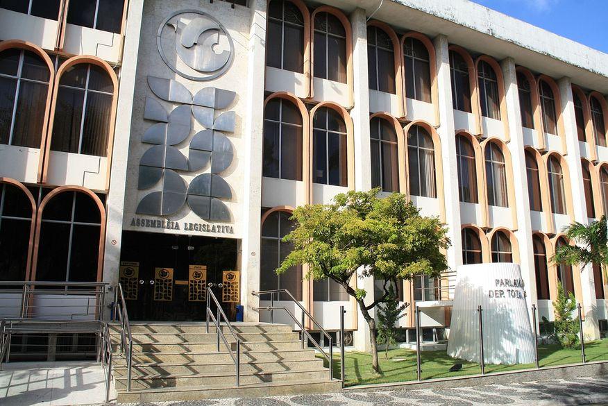 alpb 01 - Assembleia Legislativa garante direitos de trabalhadores paraibanos