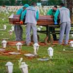 cemiterio covid sérgio lima 12 mar 2021 868x644 1 - Covid: 12 estados têm óbitos em alta e média de mortes é a maior em 39 dias