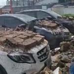 csm WhatsApp Image 2021 05 13 at 13.05.13 e923baae93 - Três carros são atingidos por destroços de muro que desabou em João Pessoa - VEJA VÍDEO