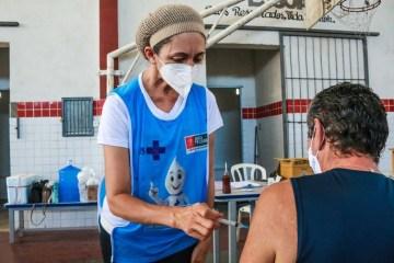 csm vacina em JP 522bbd9f26 - Prefeitura de João Pessoa bate 300 mil doses de vacinas aplicadas e inicia imunização de moradores de rua com 18 anos ou mais