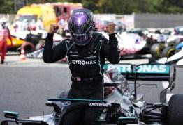 Hamilton é ultrapassado na largada, mas dá o troco e vence o GP da Espanha