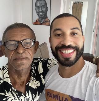 """gil 4 - Após 15 anos ex-BBB Gilberto Nogueira reencontra o pai: """"Ficha não caiu"""""""