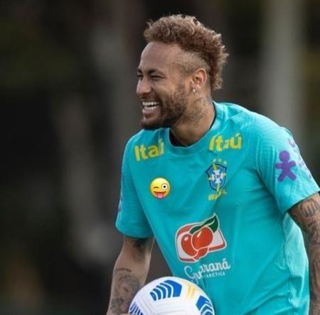 neymar 1 e1622408816650 - Após ser acusado de assédio, Neymar posta foto com símbolo da Nike coberto em treino da Seleção