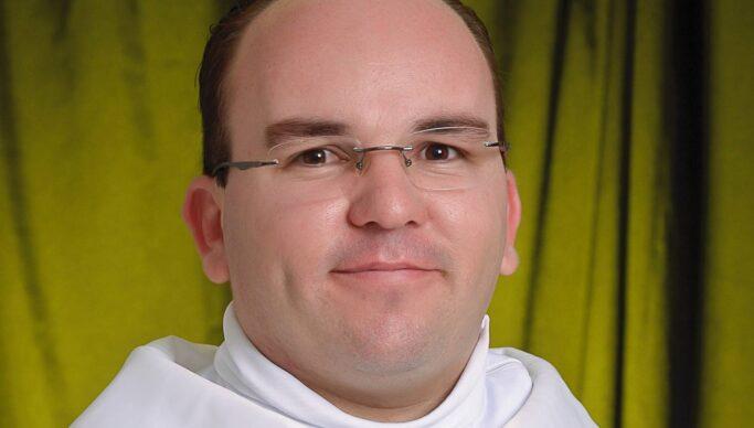padrejoaopaulo 683x388 1 - Padre paraibano dá a sua opinião sobre o vídeo que gravou do Papa e que viralizou na web