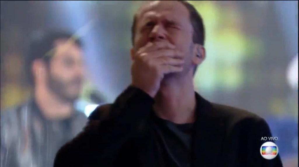 tiago leifert 1024x575 - Tiago Leifert não segura a emoção e chora com o fim do reality show - VEJA VÍDEO