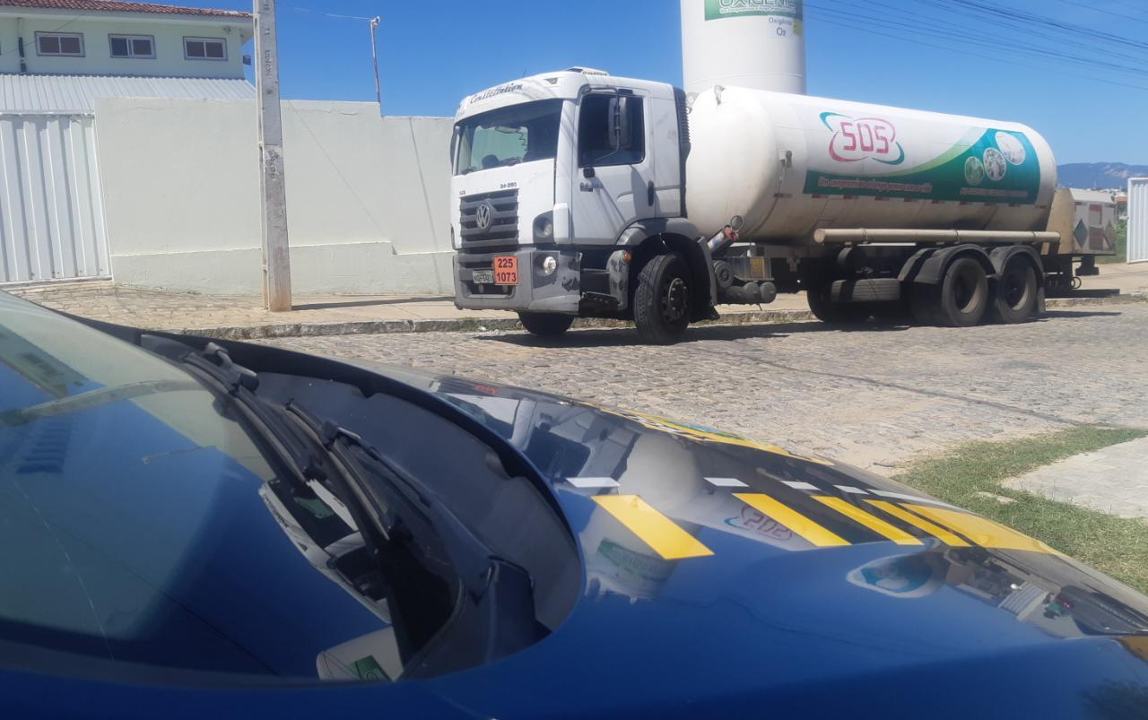 whatsapp image 2021 05 25 at 123050 - Após acidente atrasar abastecimento, novo carregamento de oxigênio chega a Patos
