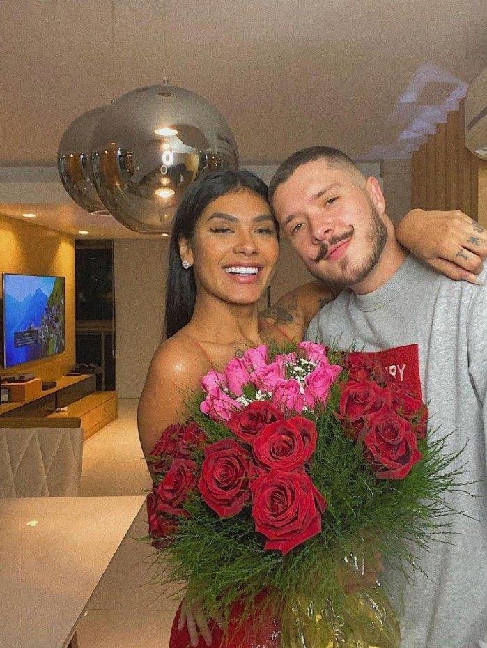 1 whatsapp image 2021 05 28 at 13 46 13 22028808 - Ex-BBB Pocah revela que já desmaiou na hora do sexo com o noivo