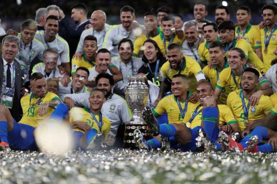 2021 06 01T214259Z 1 LYNXNPEH5025X RTROPTP 3 SOCCER COPA BRA PER - Brasil venceu todas as edições da Copa América no País