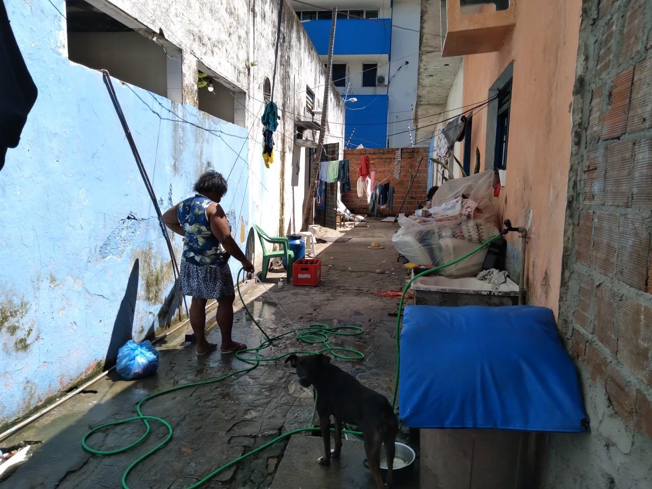 20210608 112149 1 - SEM ASSISTÊNCIA, SAÚDE E ALIMENTAÇÃO: sem-tetos que ocupam prédio do antigo Jornal O Norte mostram ao Polêmica Paraíba a realidade de como vivem; confira