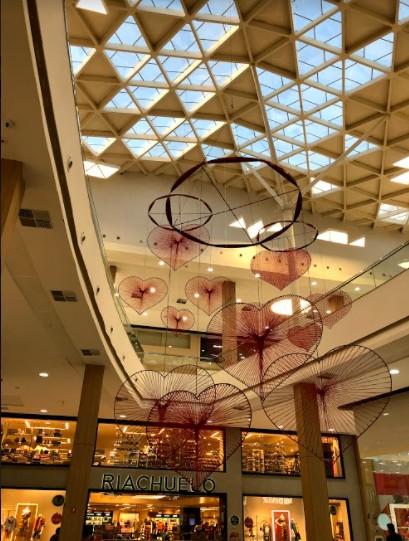 62fe38fe 24a8 8dcf 5458 27fffd7fbc8d - Shoppings Manaira e Mangabeira criam decoração temática para o Dia dos Namorados