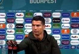 Cristiano Ronaldo afasta garrafas da Coca-Cola e provoca queda de US$ 4 bilhões nas ações da empresa