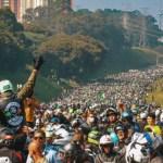 Bolsonaro motociata - João Dória multa Bolsonaro por não uso de máscara em SP e presidente publica foto de 'motociata'