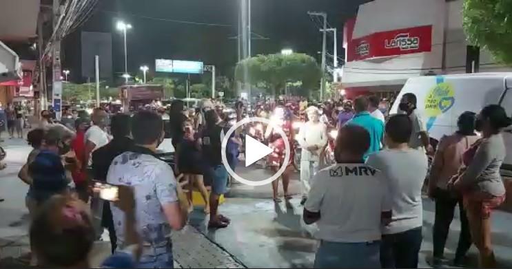Capturar 12 - Familiares, amigos e fãs do radialista Fábio Diniz se despedem do comunicador - VEJA VÍDEOS