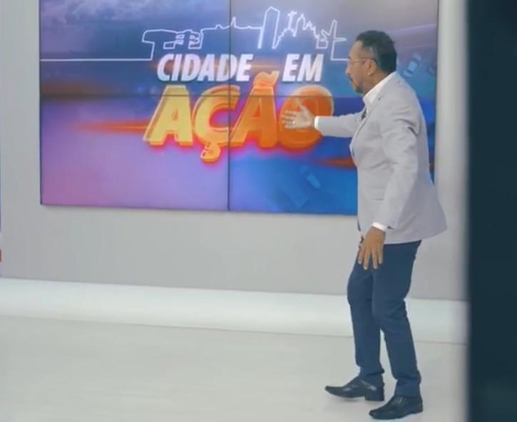 """Capturar 32 - """"Aqui, ação é o que não falta!"""": Samuka Duarte apresenta o Cidade em Ação na TV Arapuan de segunda a sábado - VEJA VÍDEO"""