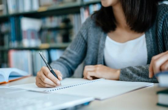 Enem 2021: 7 em cada 10 estudantes se sentem despreparados para o exame, diz pesquisa