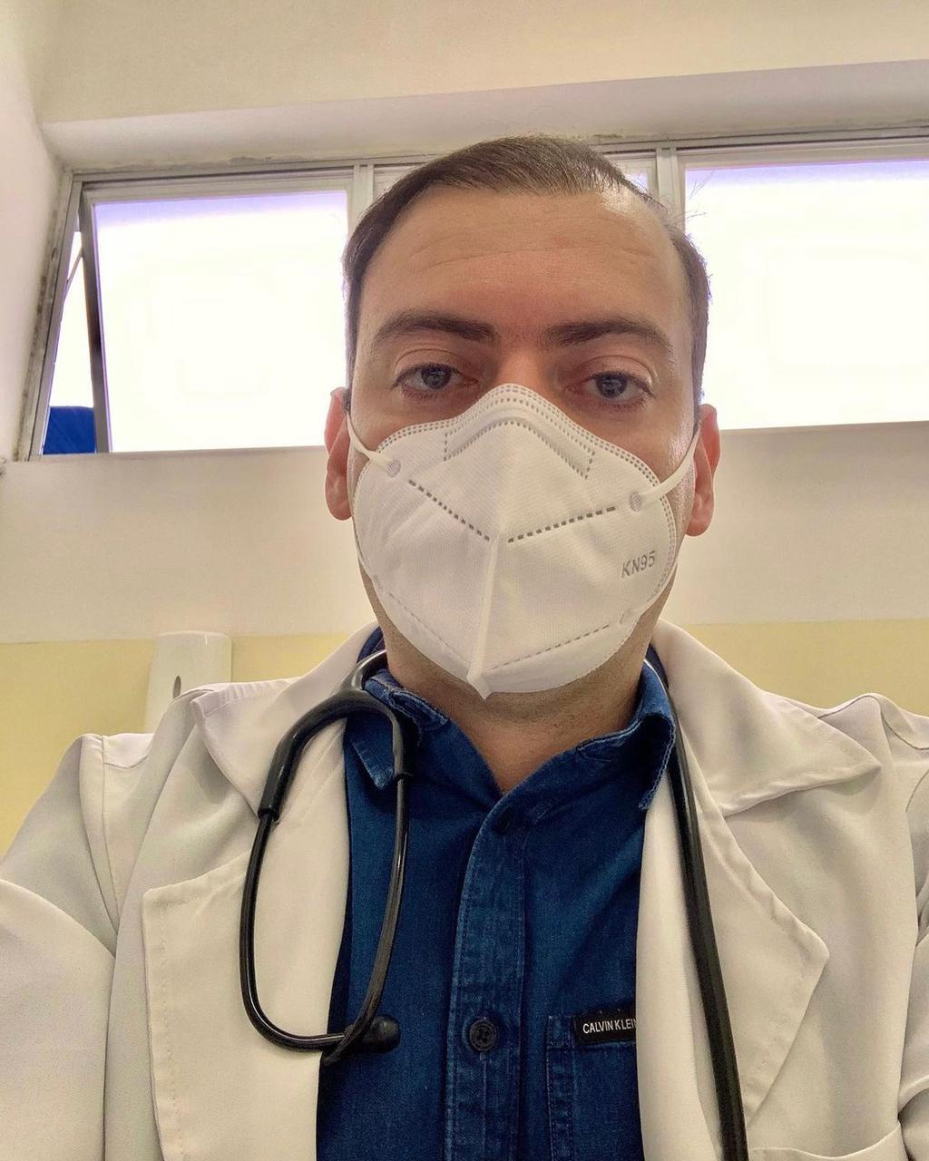 WhatsApp Image 2021 06 03 at 08.50.00 1 - Médico paraibano, Gabriel do Cavaco alcança 1 bilhão de visualizações em músicas de sua autoria no YouTube