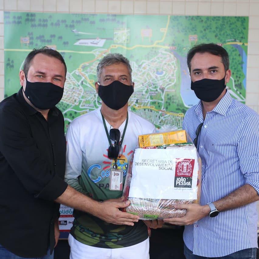 WhatsApp Image 2021 06 04 at 19.25.26 - Prefeitura de João Pessoa entrega cestas básicas a profissionais do setor do turismo
