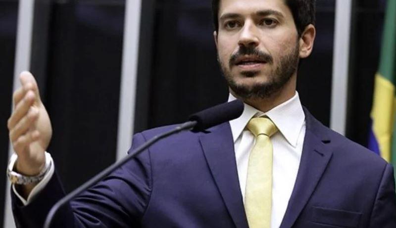 """ali - Ex-aliado de Bolsonaro denuncia envio de R$ 92 mi ao PSL: """"Pior que o mensalão"""""""