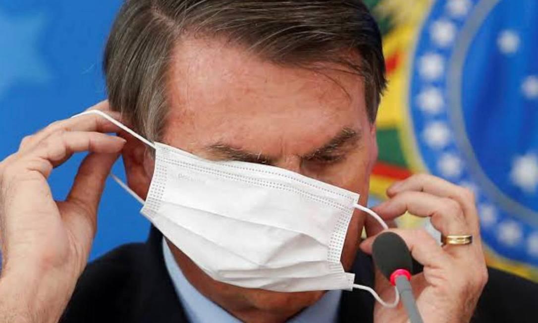 "bolsonaro mascara - Famosos pedem uso de máscara após fala de Bolsonaro: ""Não tire a máscara, tire o Bolsonaro"""