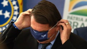 bozo sem mascara 300x169 - STF dá 5 dias para Bolsonaro se explicar sobre falta de máscara em aglomerações
