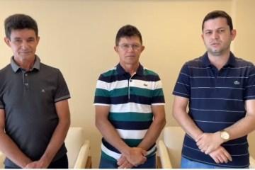 Pré-candidato ao Senado, Bruno Roberto recebe apoio de prefeito e ex-prefeito de Pedra Branca