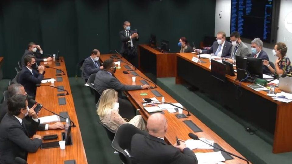 cannabis 960x540 1 - Com placar apertado, comissão aprova PL da maconha para uso medicinal no Brasil
