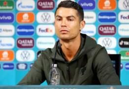 Cristiano Ronaldo recomenda beber água e não Coca-Cola, e marca perde US$ 2,6 bi