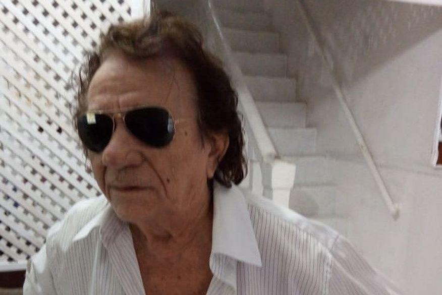 joao goncalves   facebook 1 - REI DO DUPLO SENTIDO: morre cantor paraibano João Gonçalves, vítima de infarto