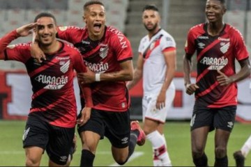 jogadores - Quinta rodada do Brasileirão com Athletico líder e insubordinação no G-4 contra os favoritos