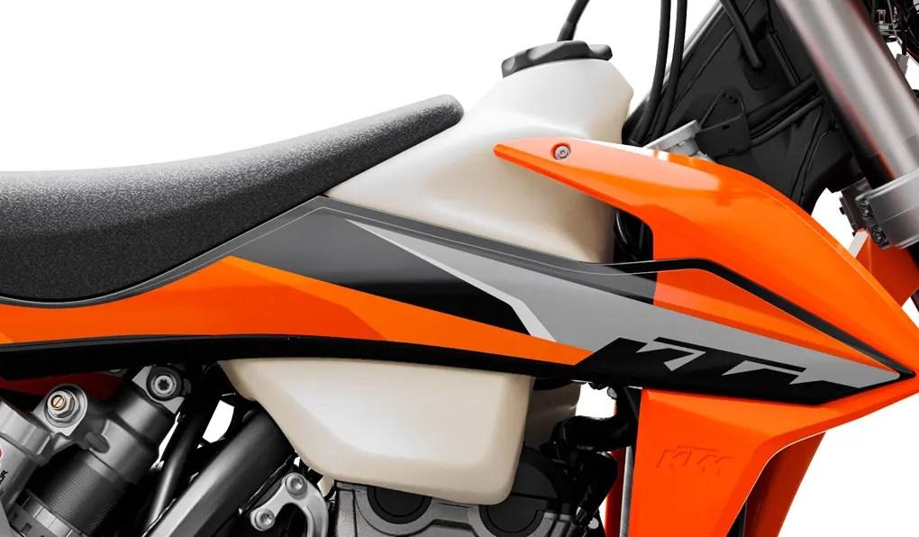 PHO_BIKE_DET_250-EXC-F-MY21-FuelTank_#SALL_#AEPI_#V1