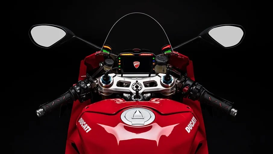Panigale-V4-S-MY20-Red-05-Gallery-906x510