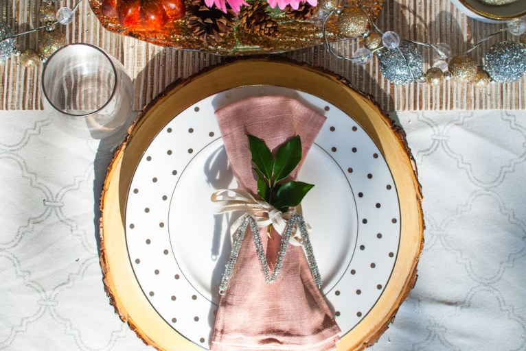 thanksgiving place setting with wooden charget