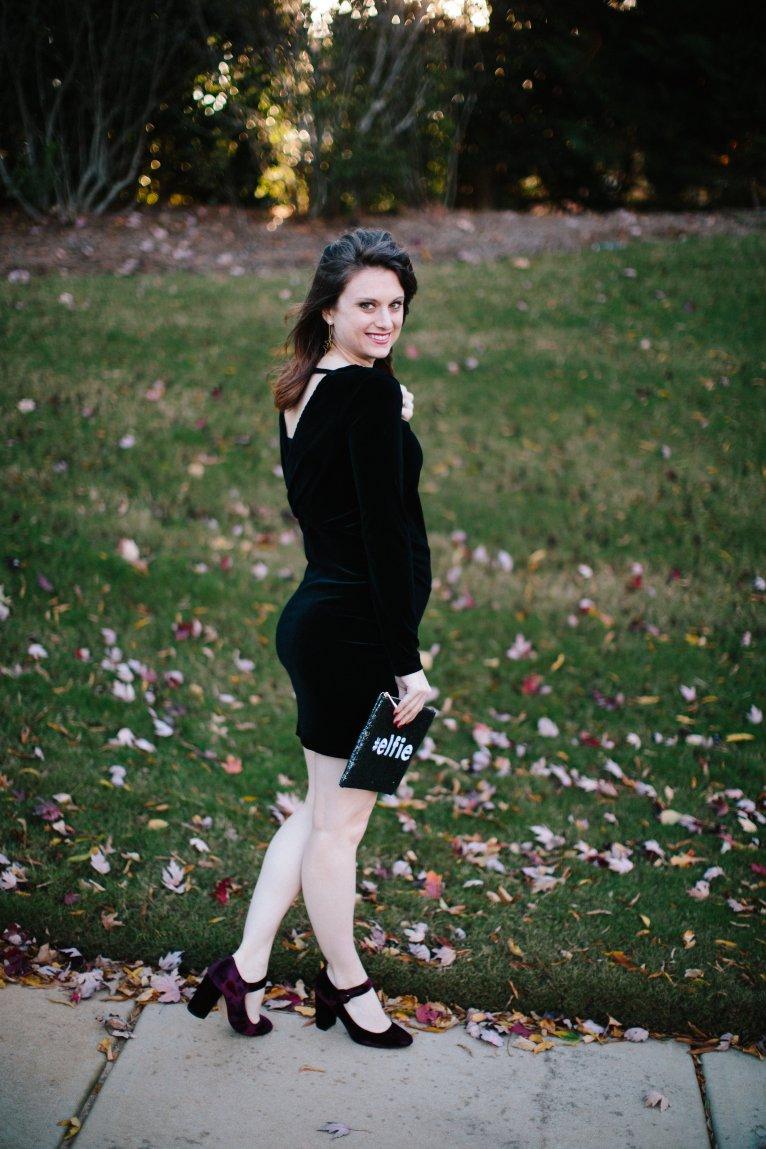 Black velvet maternity dress // www.polishedclosets.com