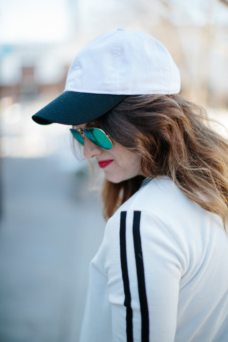 black and white baseball hat // www.polishedclosets.com