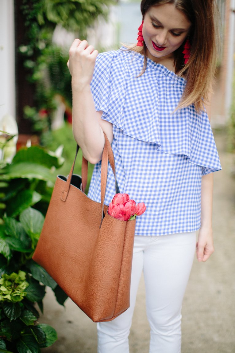 The Best Mom Bag and Why You Need it by Mom Blogger Maggie Kern of Polished Closets