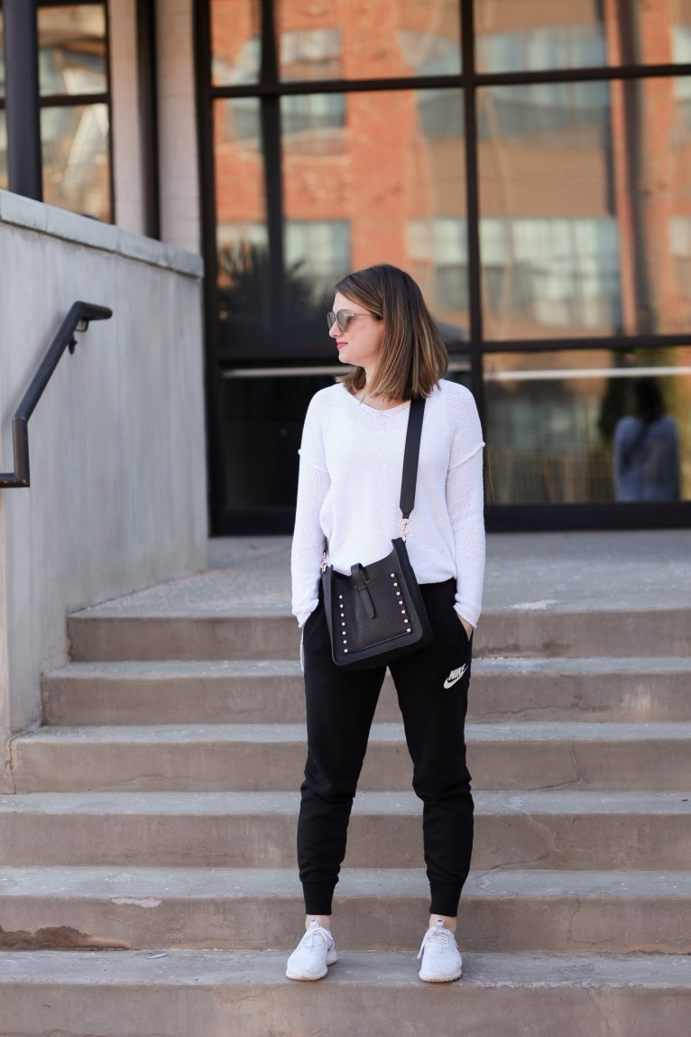 Nike joggers and sweater outfit