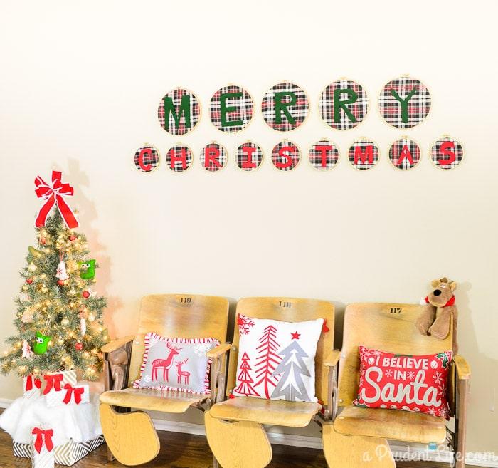 Rustic Christmas Entry Way Decor