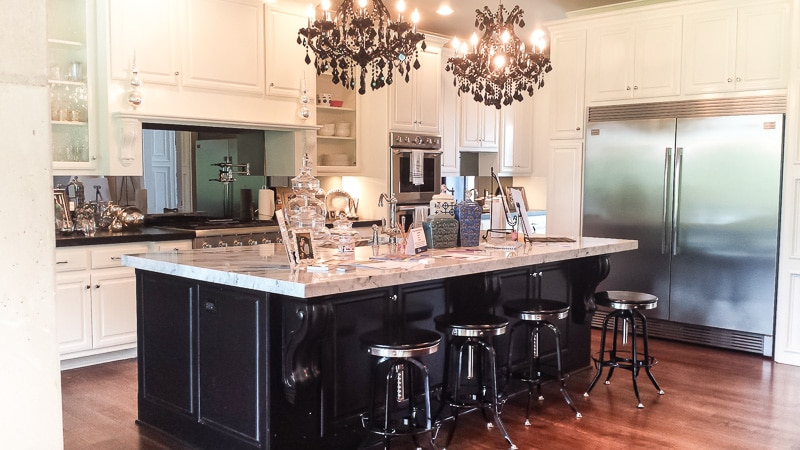 What a kitchen - the marble sink and mirrored back splash are amazing.
