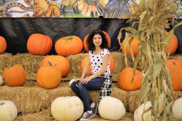 casual polka dots and plaid at a pumpkin patch cute outfit to combat end of season blues