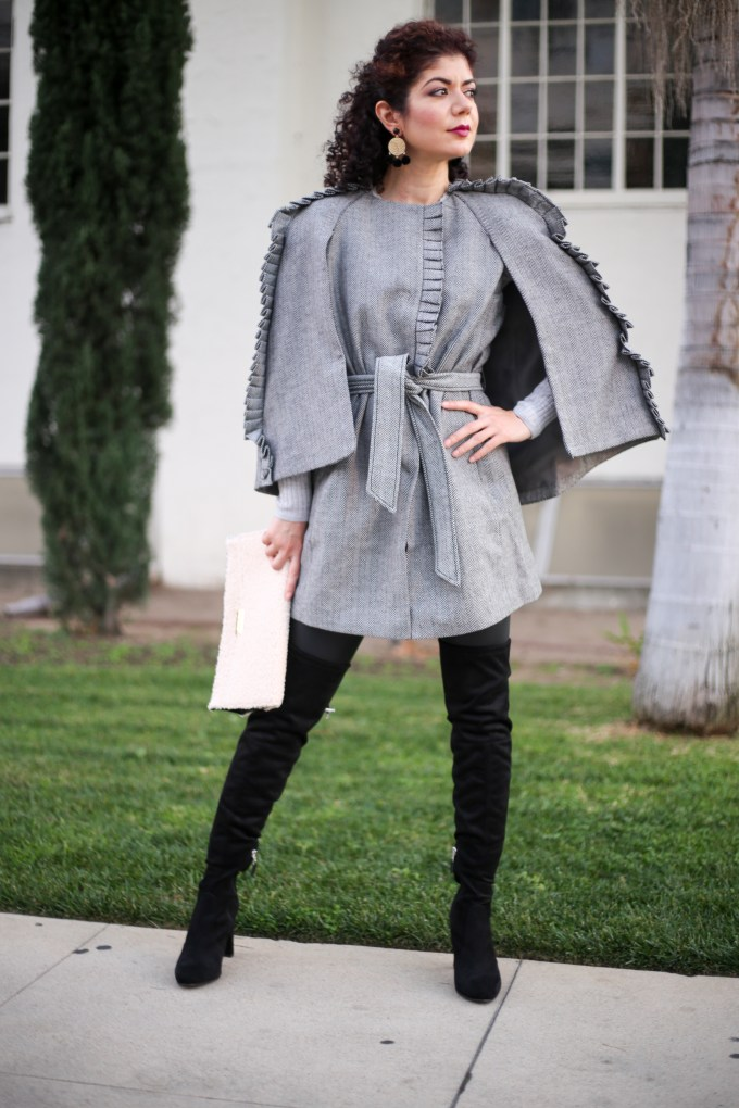 How to style a cape: 3 keys points for exquisite fall style. Banana Republic Herringbone ruffle cape review. Fall layers | outerwear | winter coat.