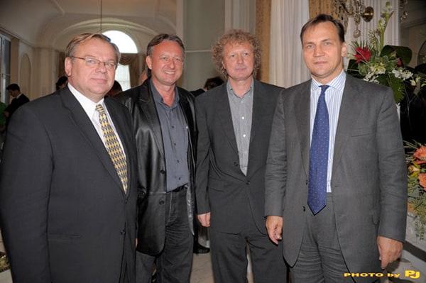 Zygmunt Matynia, Konsul Generalny, redaktorzy Bielawiec, Łada oraz Radosław Sikorski