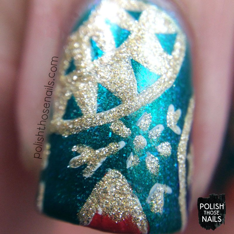 teal-christmas-ornament-pattern-nail-art-macro