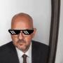 «Μην πίνετε πολύ νερό, φωνάζει ο κυρ Μπάμπης» – Το Twitter στάζει φαρμάκι για Παπαδημητρίου