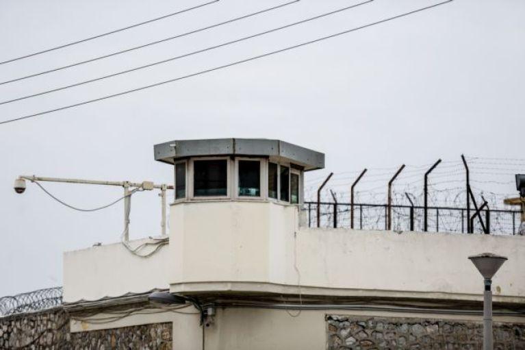 Νέα περιοριστικά μέτρα στις φυλακές λόγω κοροναϊού