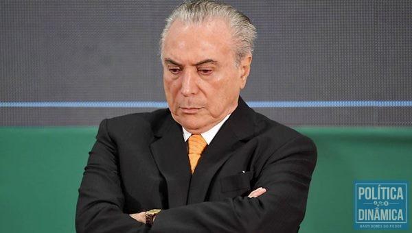 Temer negocia com os deputados para evitar denúncia (Foto:DIOGO BERCITO/O Globo)