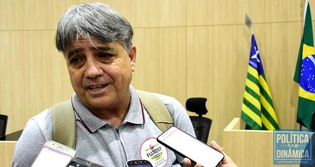 Sinésio Soares comemorou decisão do TCE (Foto: Jailson Soares/PoliticaDinamica.com)