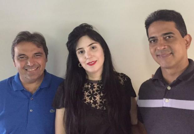 Genival Matias (presidente estadual do PTdoB), Leila Fonseca e Márcio Alencar (presidente municipal do PTdoB)